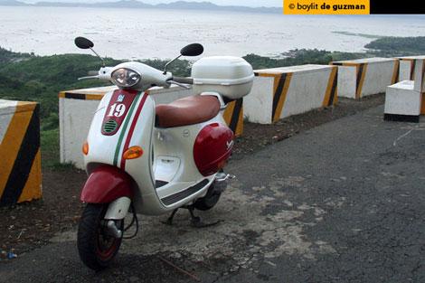 Motorcycle Philippines : Boylit's Vespa